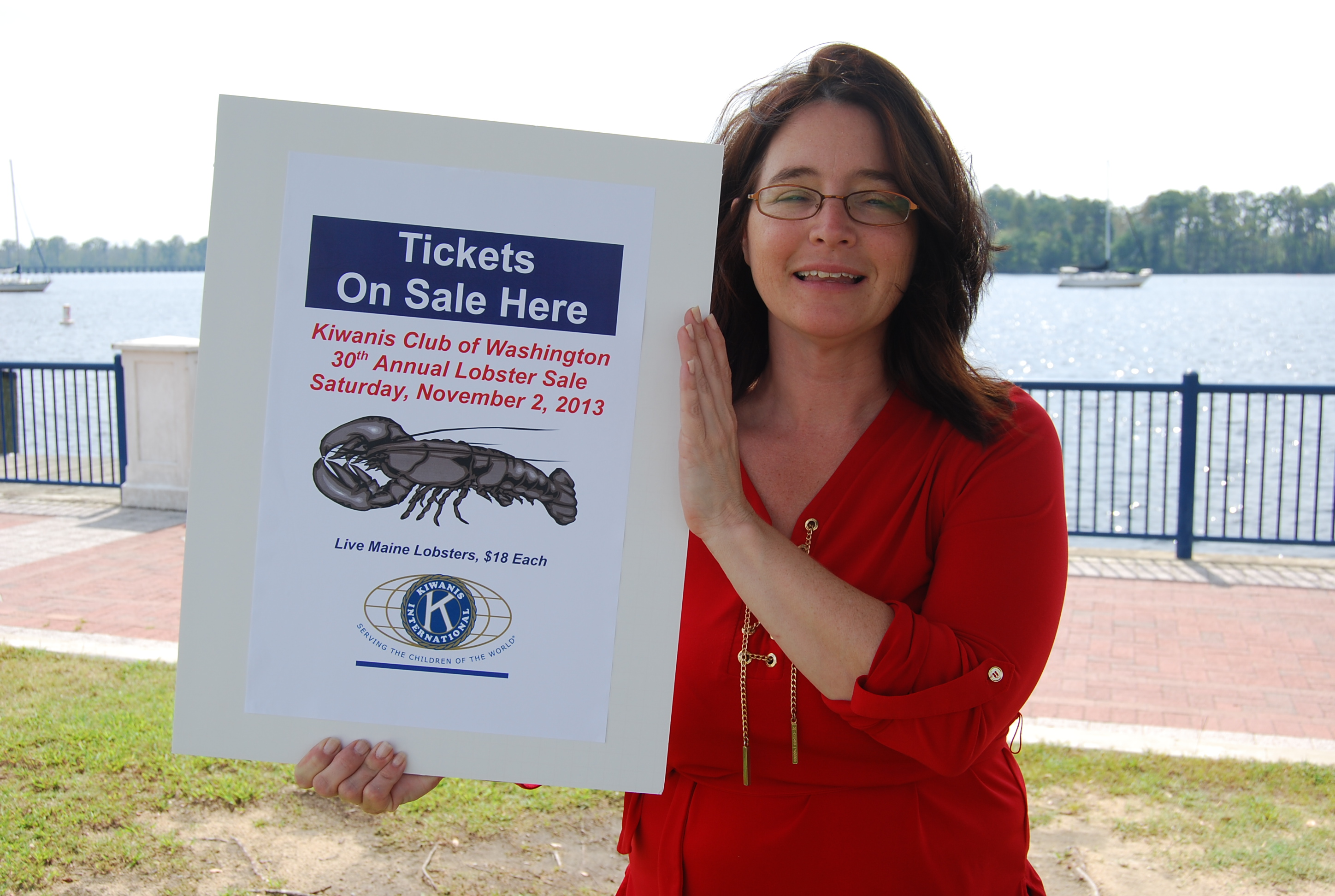 Cheryl                           Scott with 2013 Lobster Sign